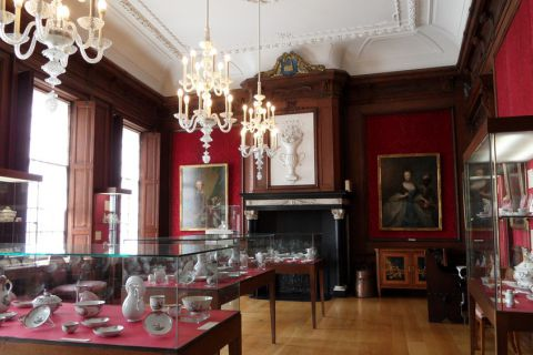 Blog over het Weesper porselein in Museum Weesp